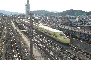 幸せの黄色い新幹線(違)